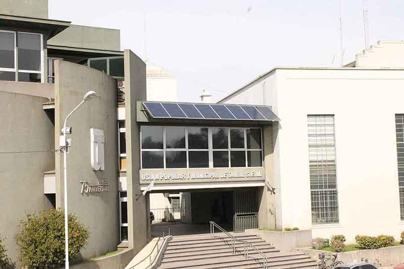 Instalación de generación de energías con recursos renovables y antigua Sala de Máquinas